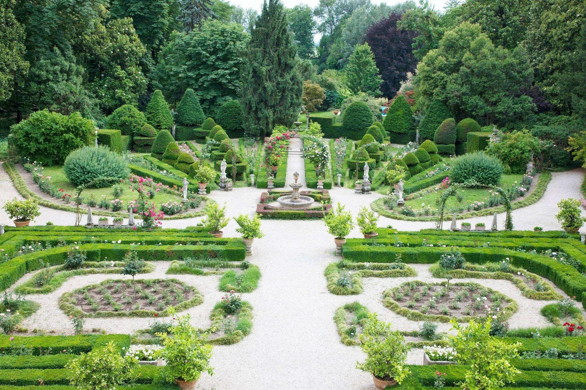 5 parchi e giardini pi strani e originali da visitare in for Giardini da visitare