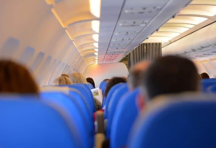 Volare low cost: 5 consigli utili per risparmiare sui viaggi in aereo