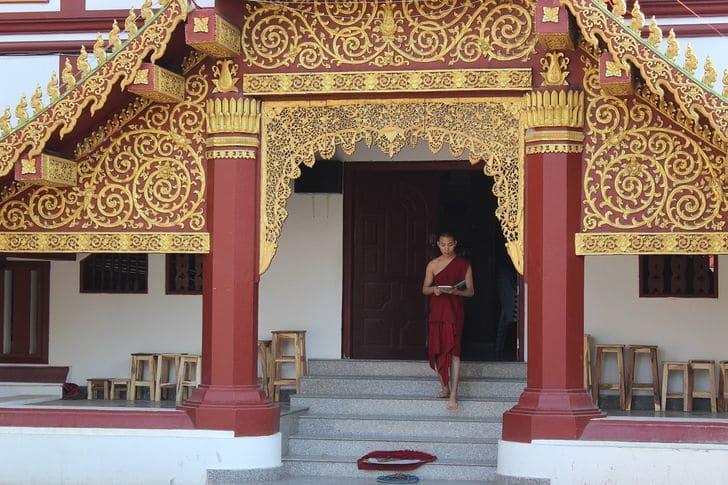 Le 10 regole da rispettare quando si visita un tempio buddista