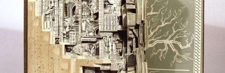 """Brian Dettmer: l'artista """"chirurgo"""" che trasforma i libri antichi in opere d'arte"""