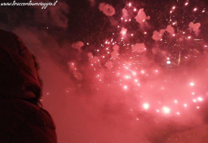 Capodanno a Bucarest: tutti in piazza Constitutiei a vedere i fuochi d'artificio