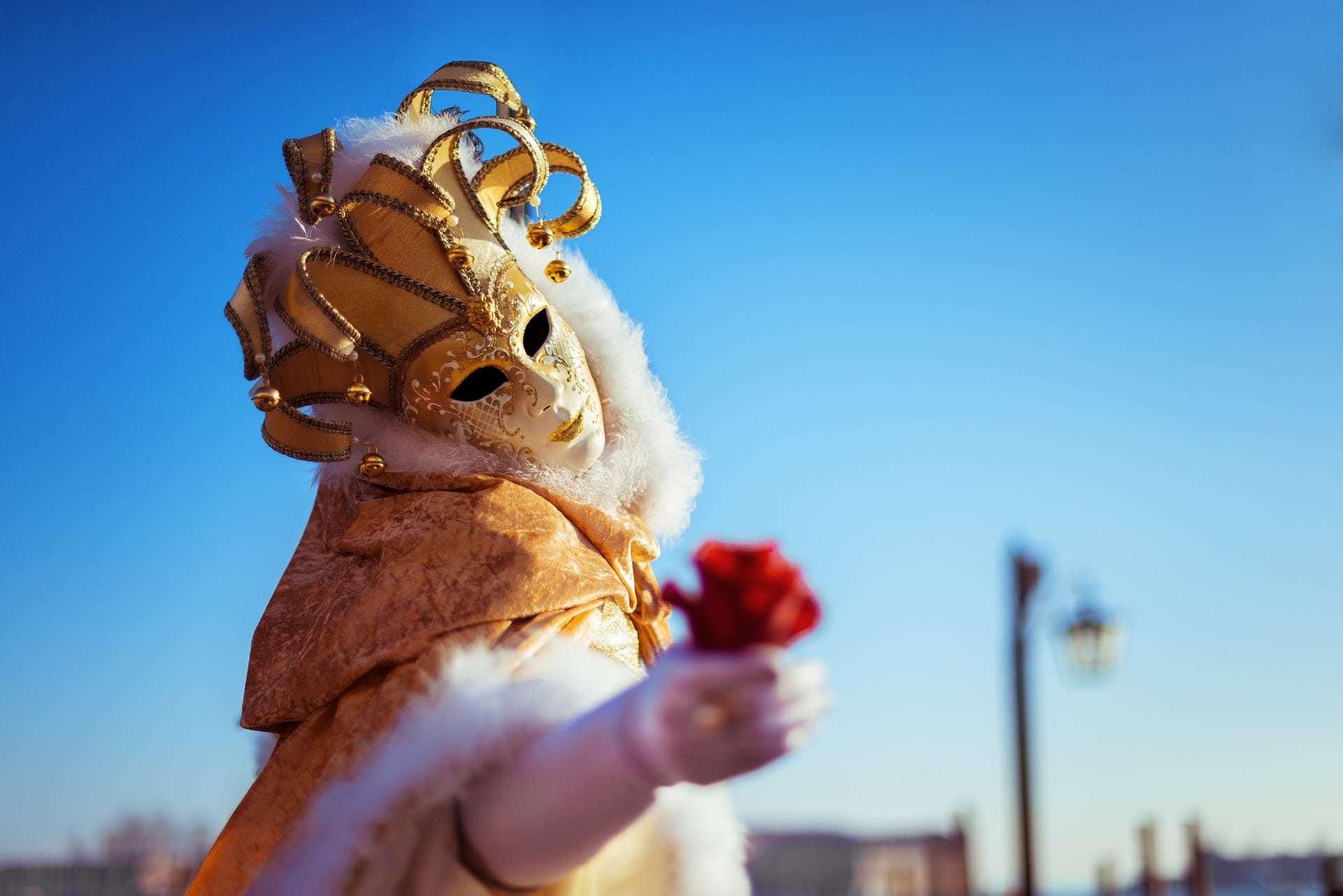 Carnevale in Italia: le feste più belle, tradizioni e dolci tipici