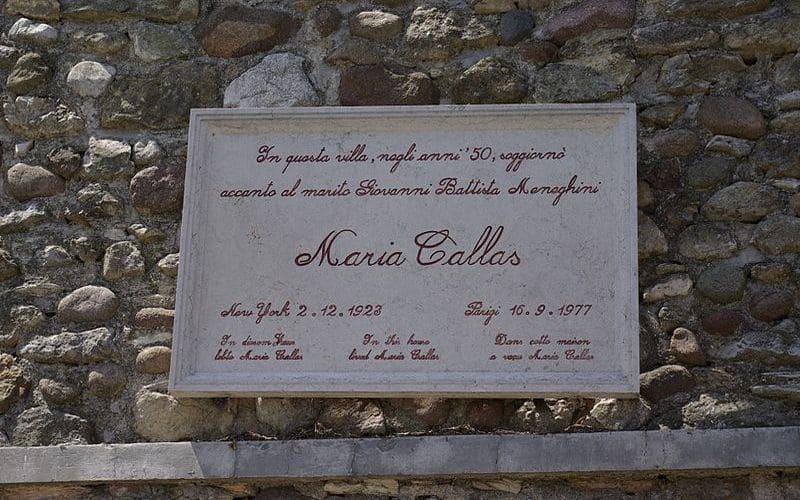 Nel borgo di Sirmione sulle orme di Maria Callas