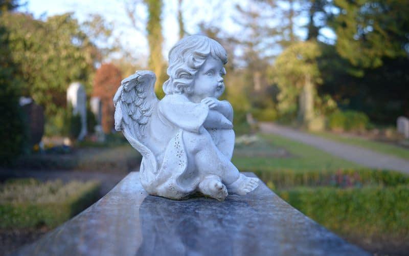 Cosa fare per il Ponte dei morti in Italia: 5 posti che mettono i brividi