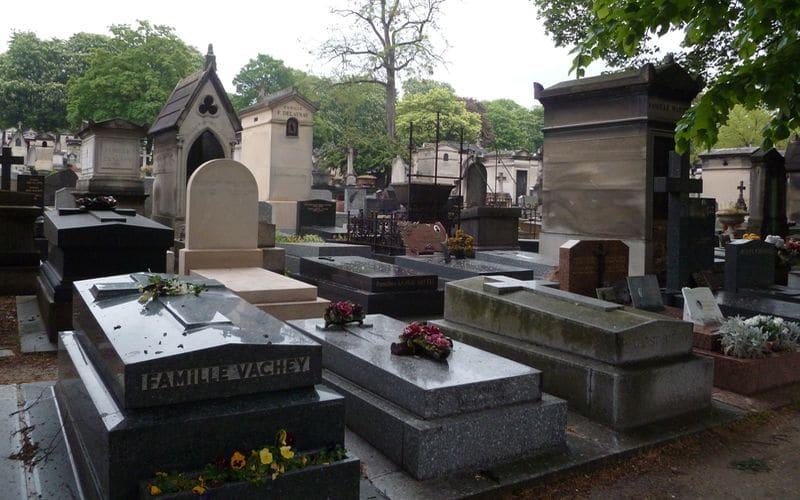 Cimiteri di Parigi: a passeggio tra le tombe di Pere Lachaise e Montmartre