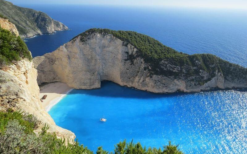 Isole ed isolotti sconosciuti e tranquilli: la Grecia che non conosci