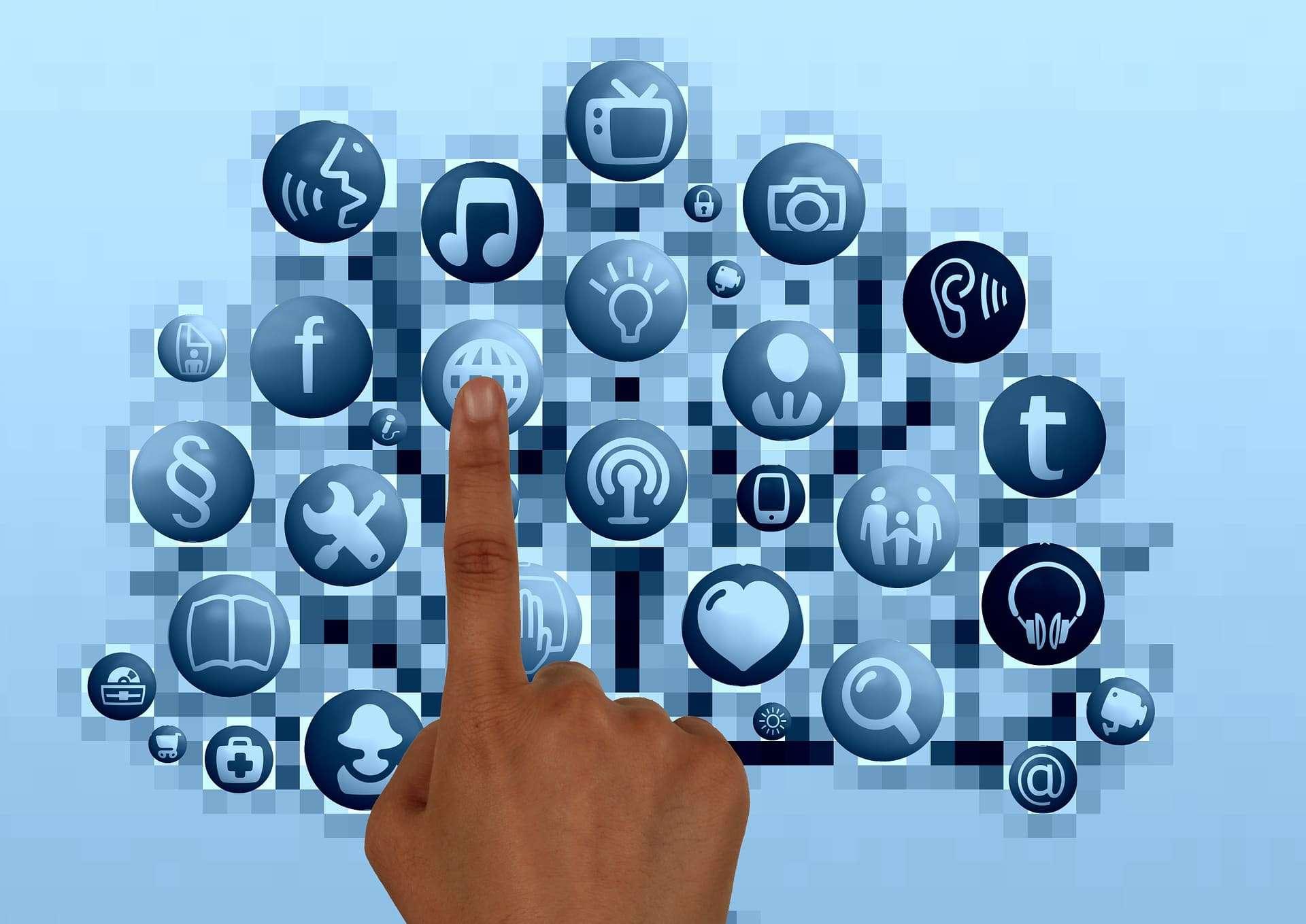 La (dis)umanità del web ai tempi della comunicazione social