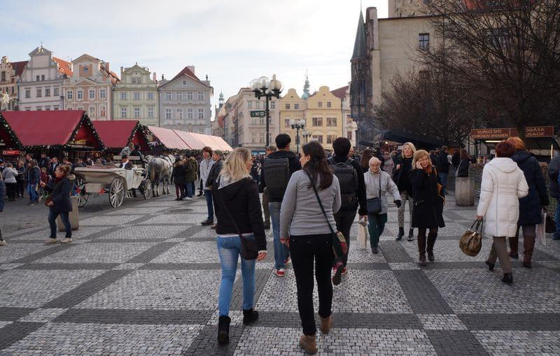 Cosa vedere a Praga in un giorno: itinerario a piedi dal Castello al Municipio