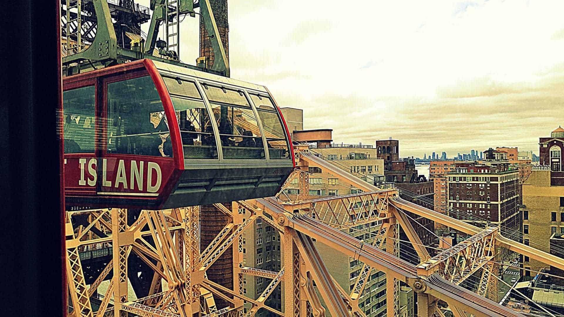 Roosevelt Island Tramway: sorvolando il cielo di New York in funivia