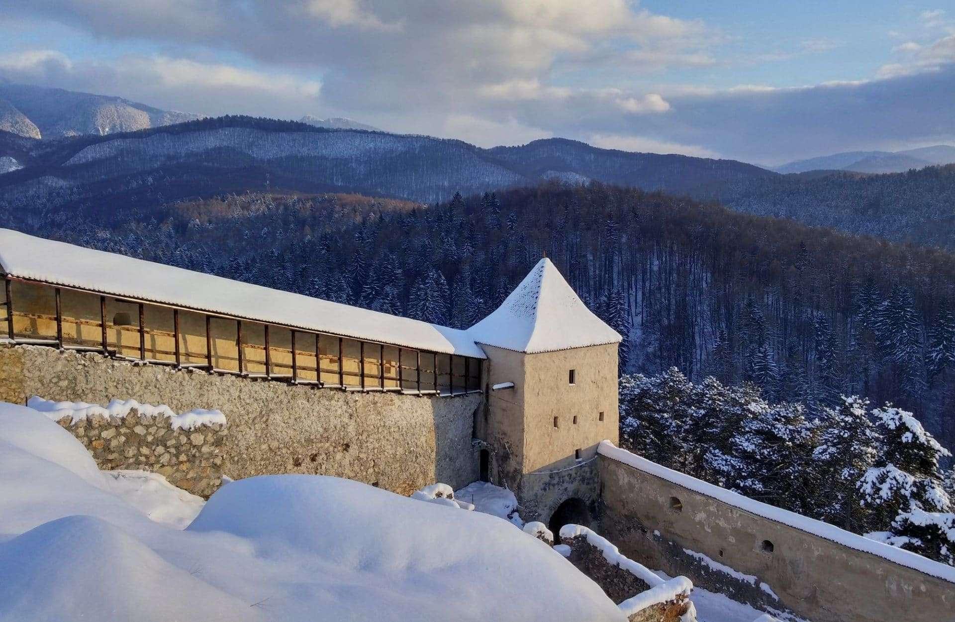 Cosa vedere a Rasnov: l'inespugnabile fortezza  medievale della Transilvania