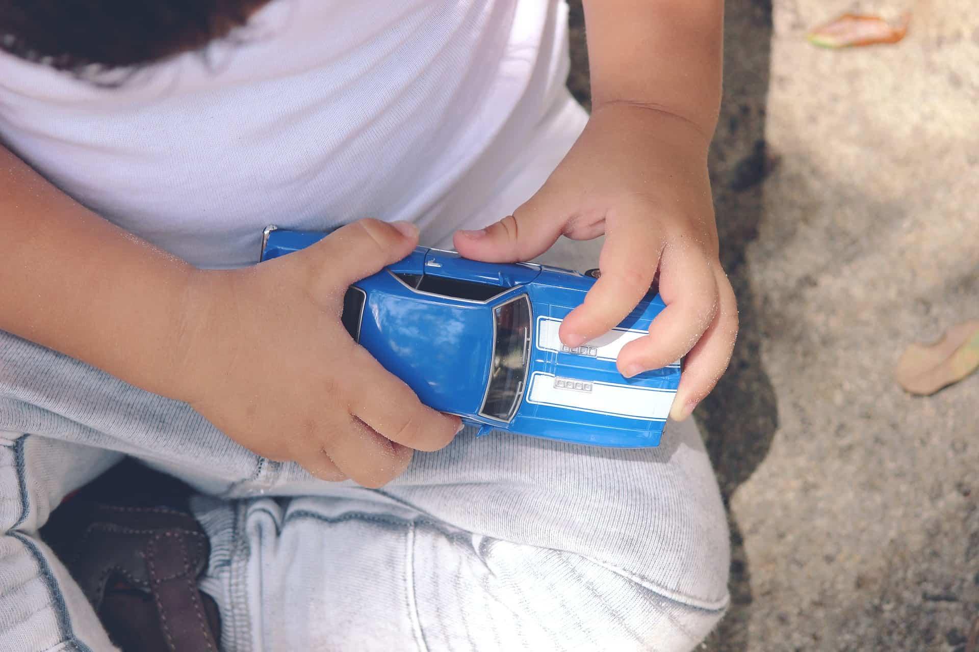 5 consigli per viaggiare sicuri in auto con i bambini