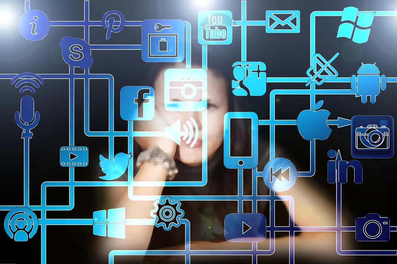 Dipendenza dai social media: 10 consigli per uscirne