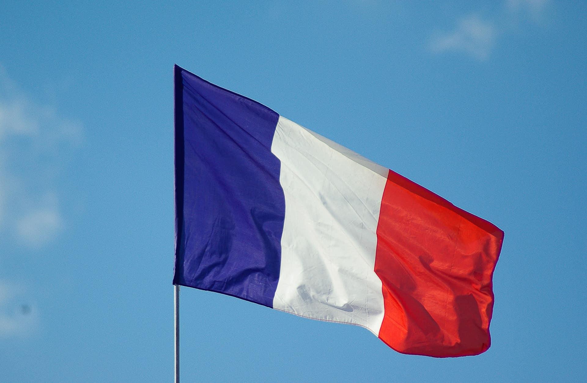 Bandiera francese: origini, storia e curiosità - Ti racconto un viaggio